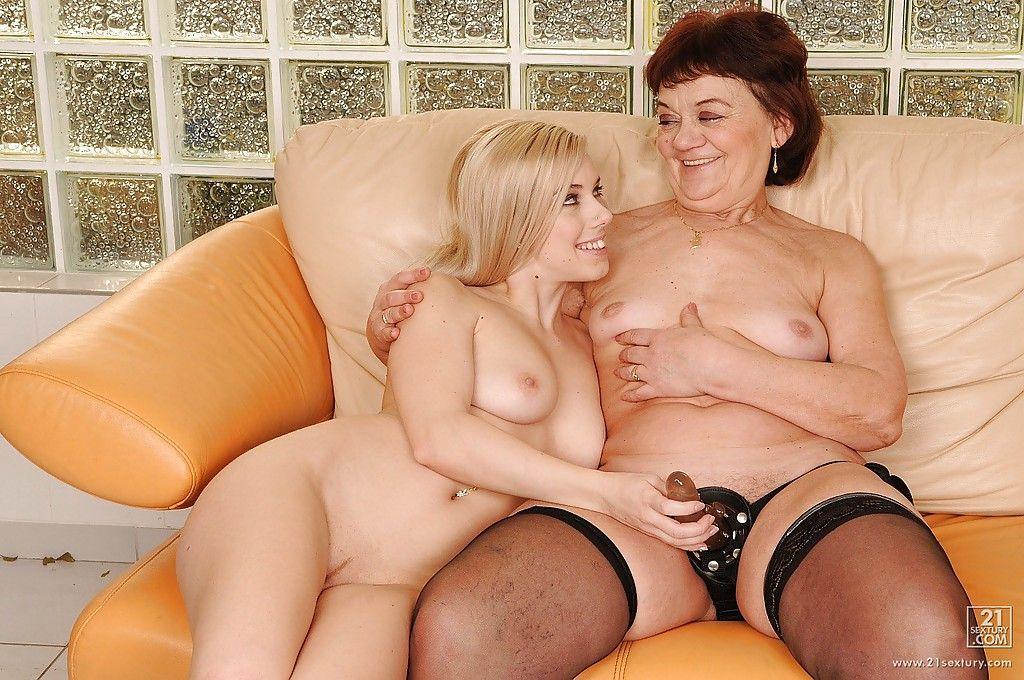 Amateur lesbian porn orgies