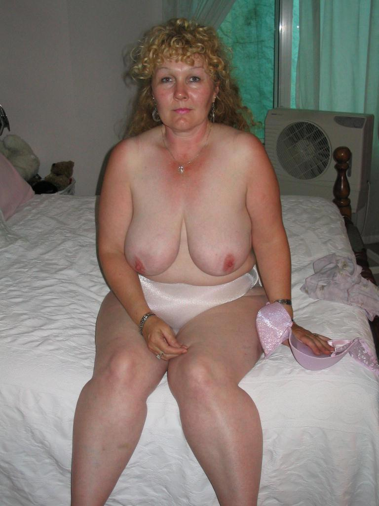 Mature naked housewives videos