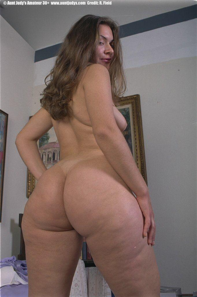 Ladygirl reccomend Nude girls with extremly nice ass