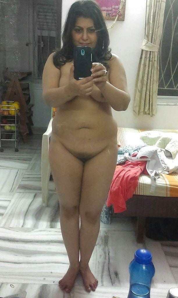 Girl naked beautiful
