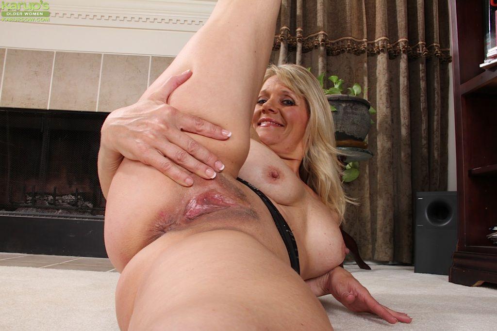 Pantyhose lesbias porns porno