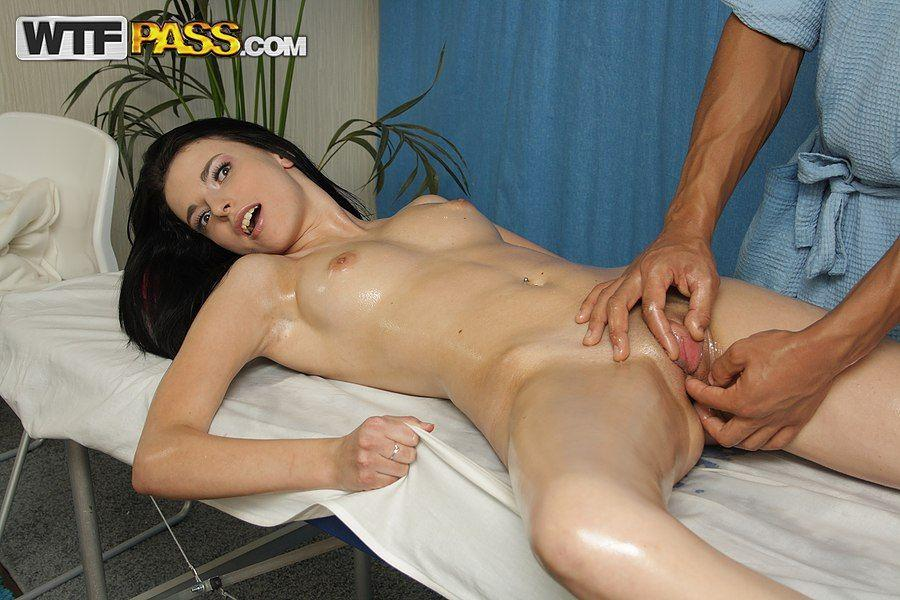 Hot nude girls having oil massage vedios