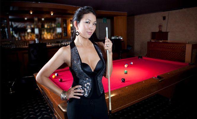 Earth E. reccomend Asian pool player