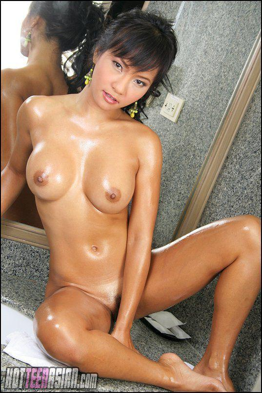 Young women nude free