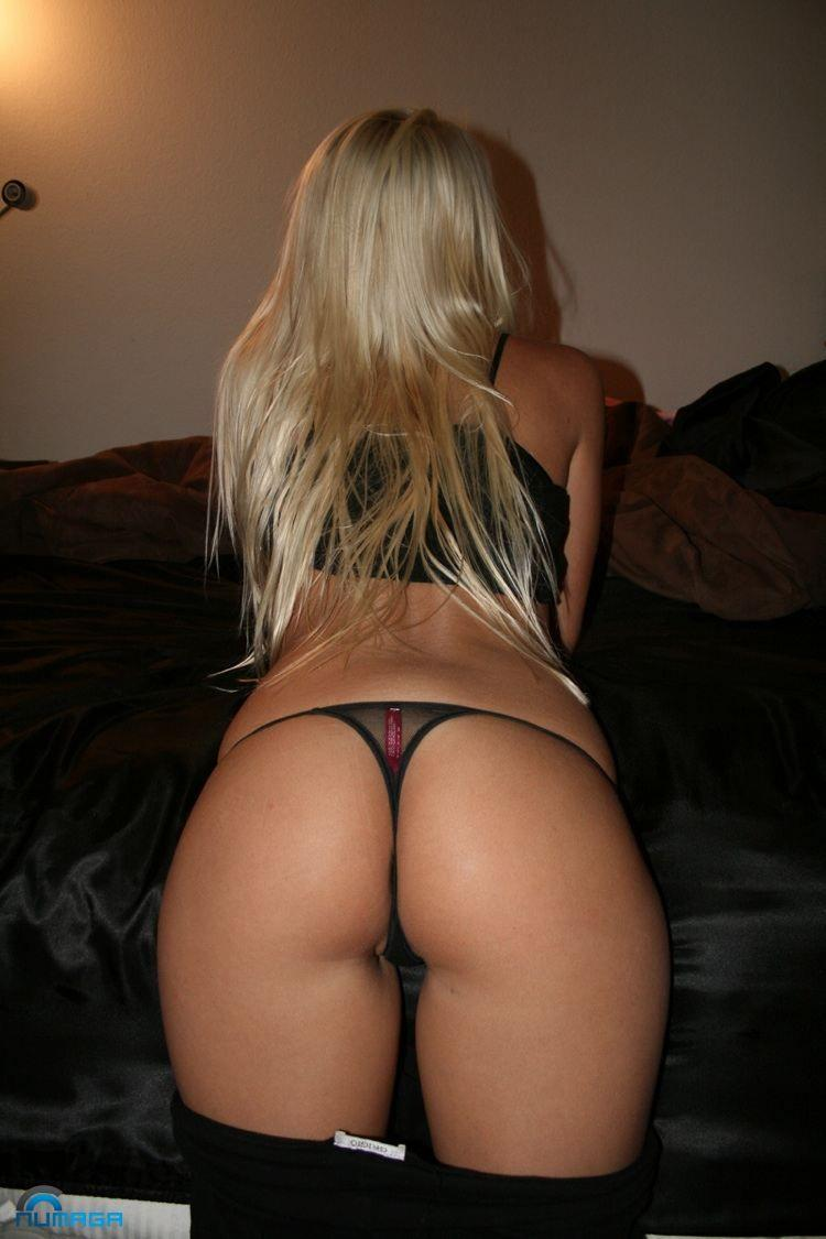 Blonde perfect ass bent over