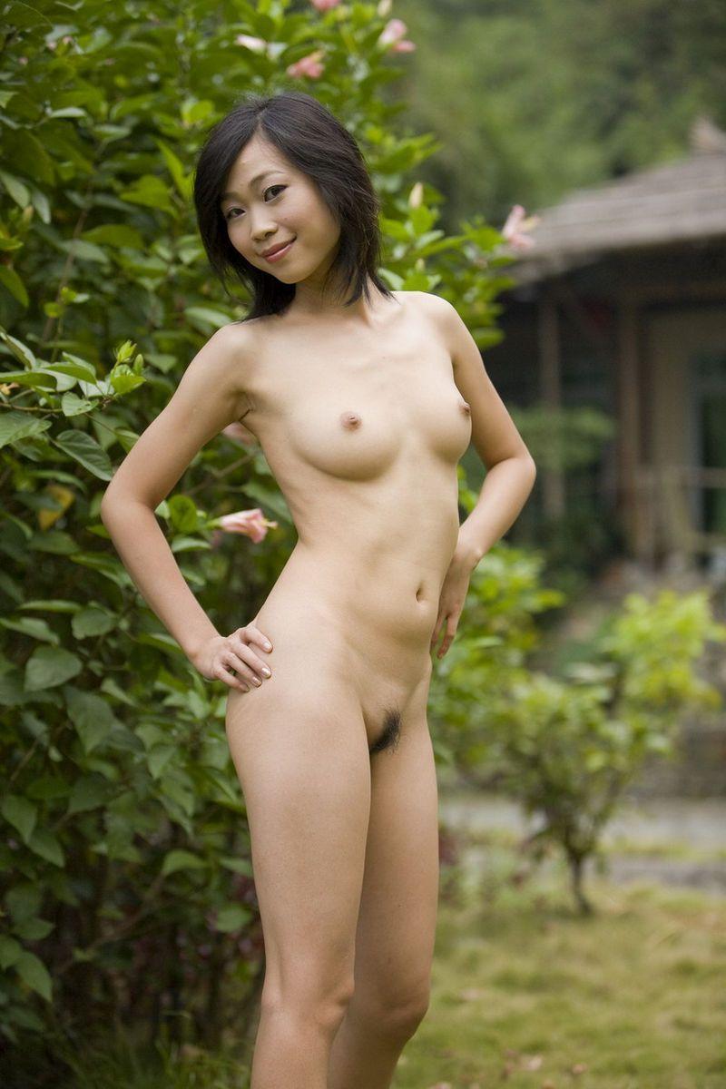 Nudist and naturist images