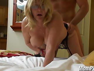 Hot naked models having sex
