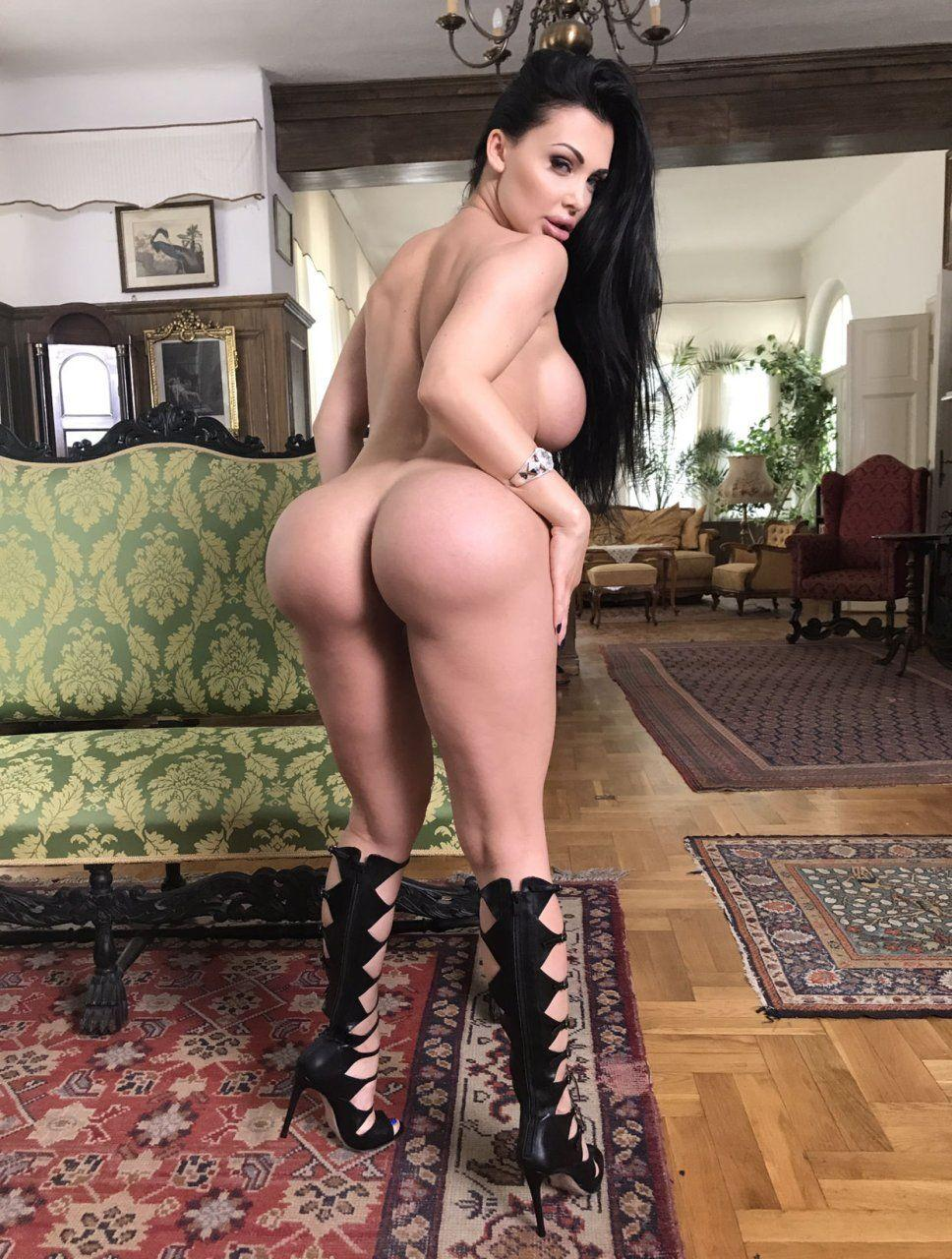 Barbra Streisand Fake Porn aletta ocean nude ass - hot naked pics.