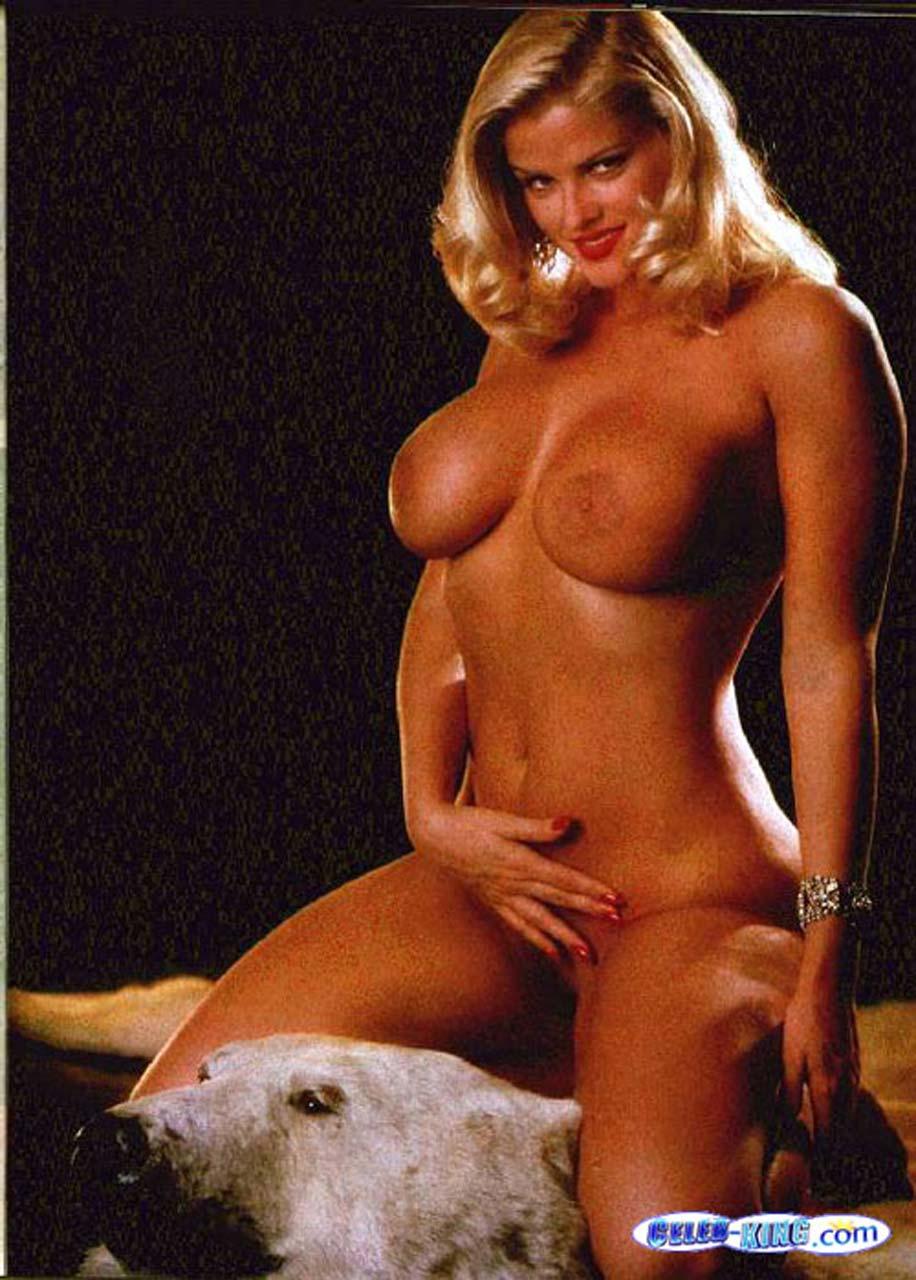 Fake anna nicole naked images 358