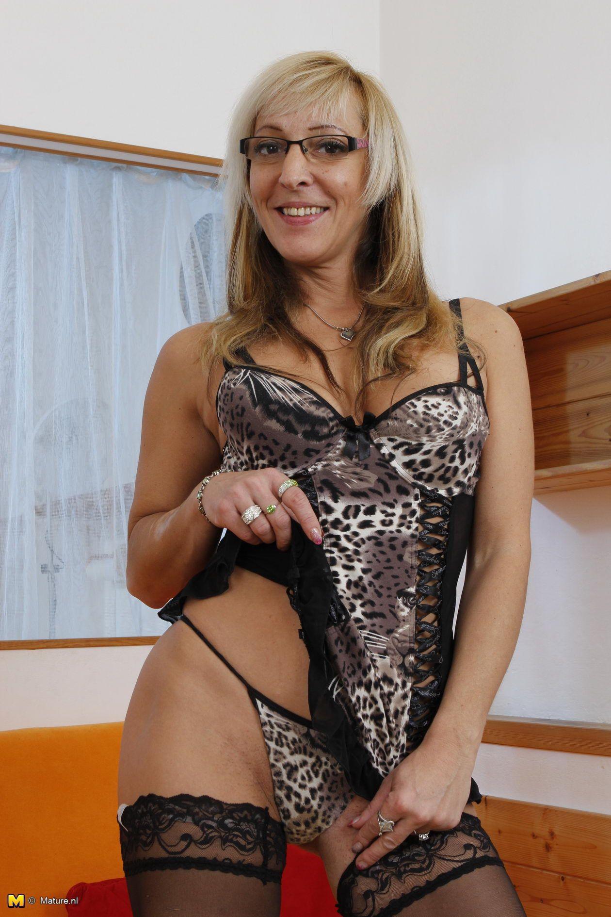 Masiela lusha in naked