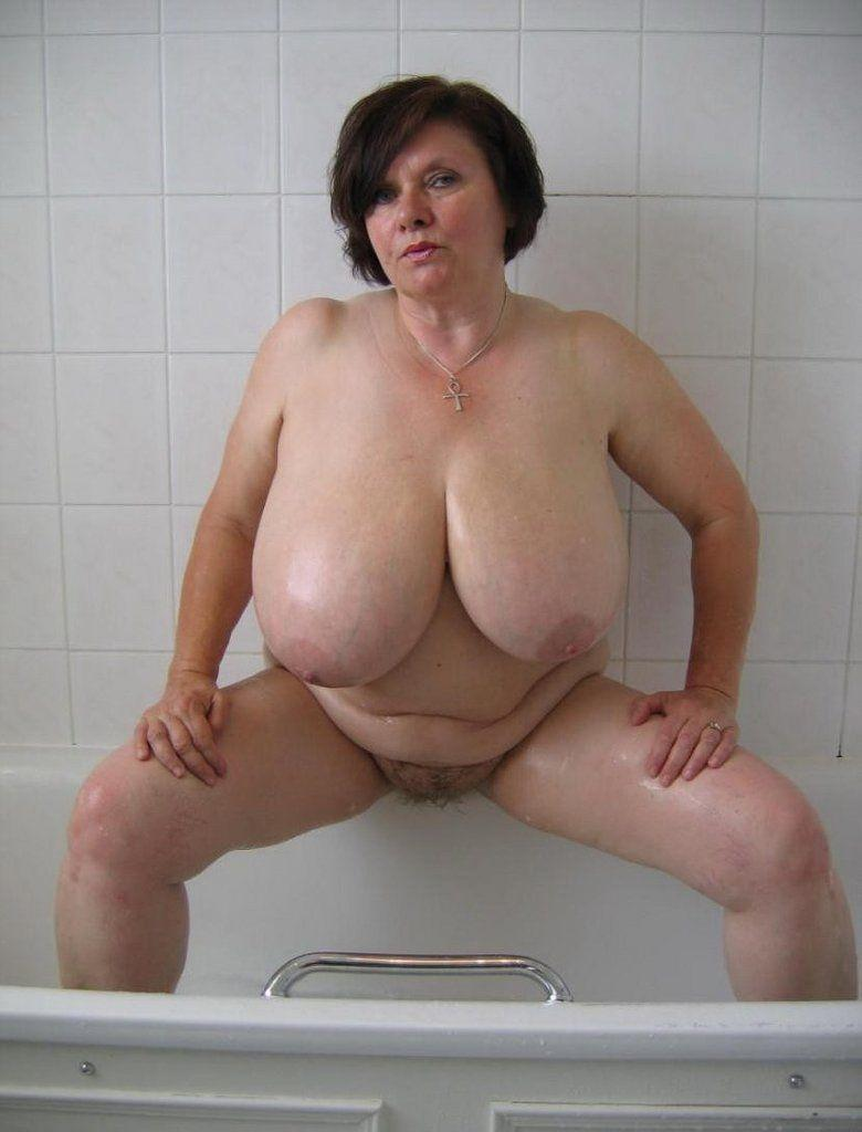 Mature mothers naked