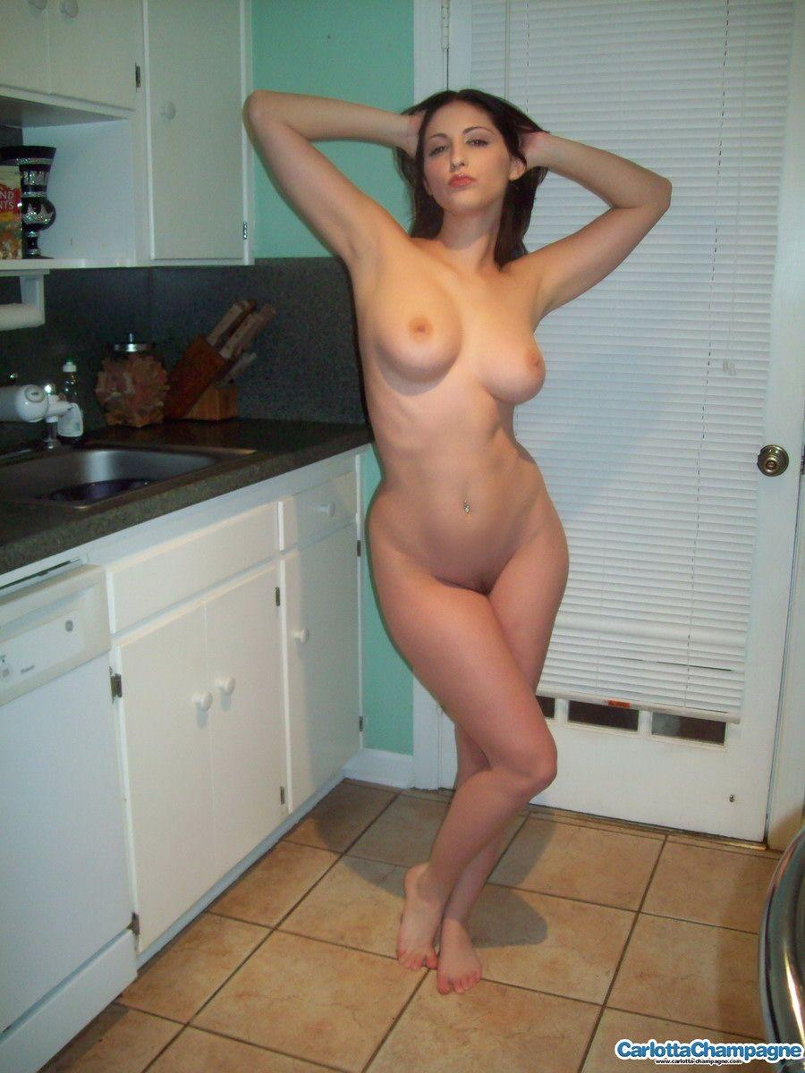 Big tits and wide hips naked