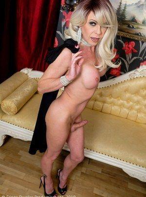 Debi hebel nude